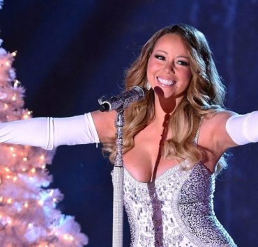 """Mariah Carey's """"All I Want For Christmas Is You"""" Tops Billboard Hot 100 Chart"""