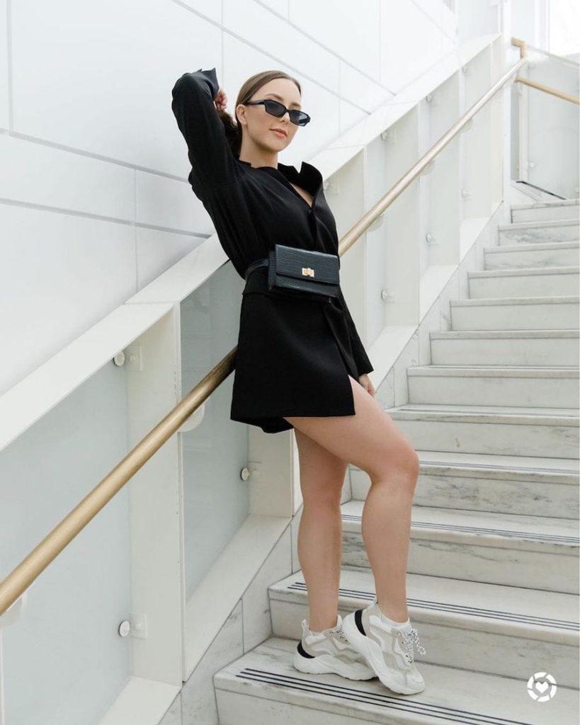 Eminem's Daughter Hailie Scott Mathers Shows Off Her Legs In Blazer Jacket