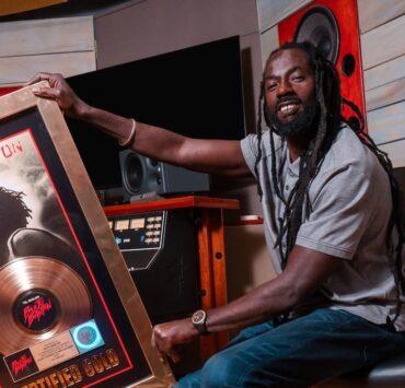 Buju Banton Receives RIAA Gold Plaque For Til Shiloh Album