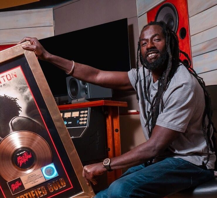 Buju Banton Receives RIAA Gold Plaque For Til Shiloh Album